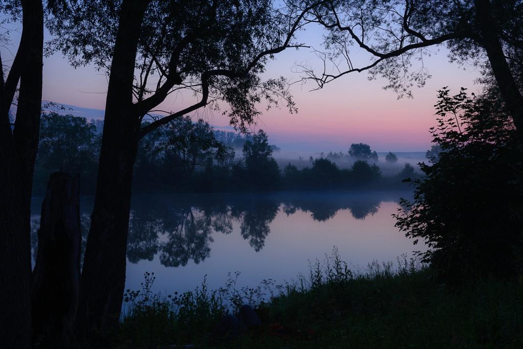 Восход на реке