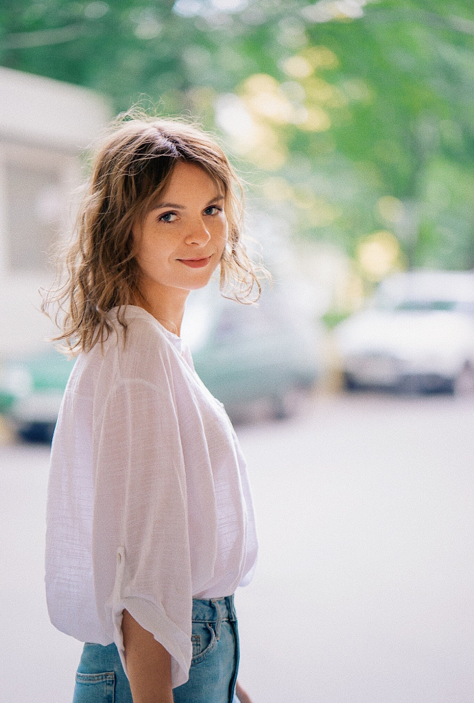 Портрет девушки на фотопрогулке