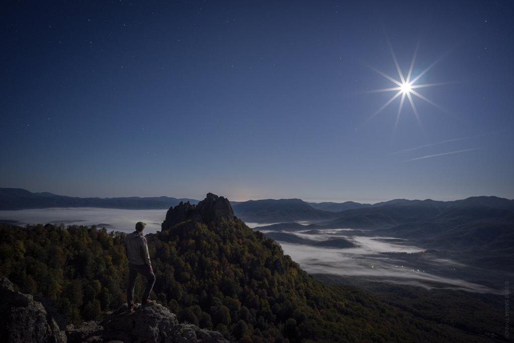Полнолуние в горах