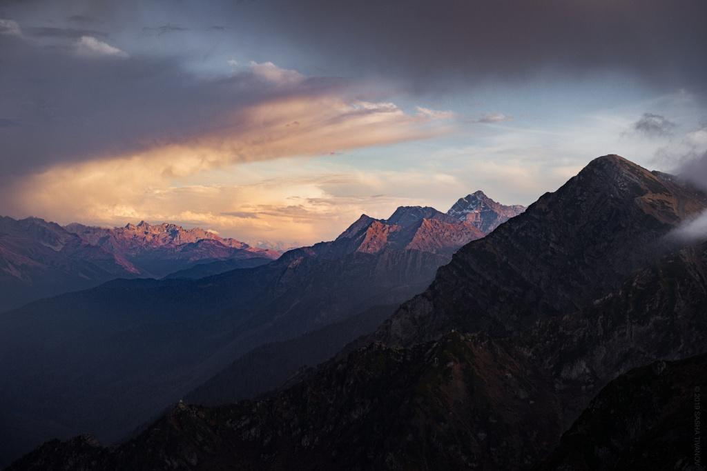 Вдоль Главного Кавказского хребта