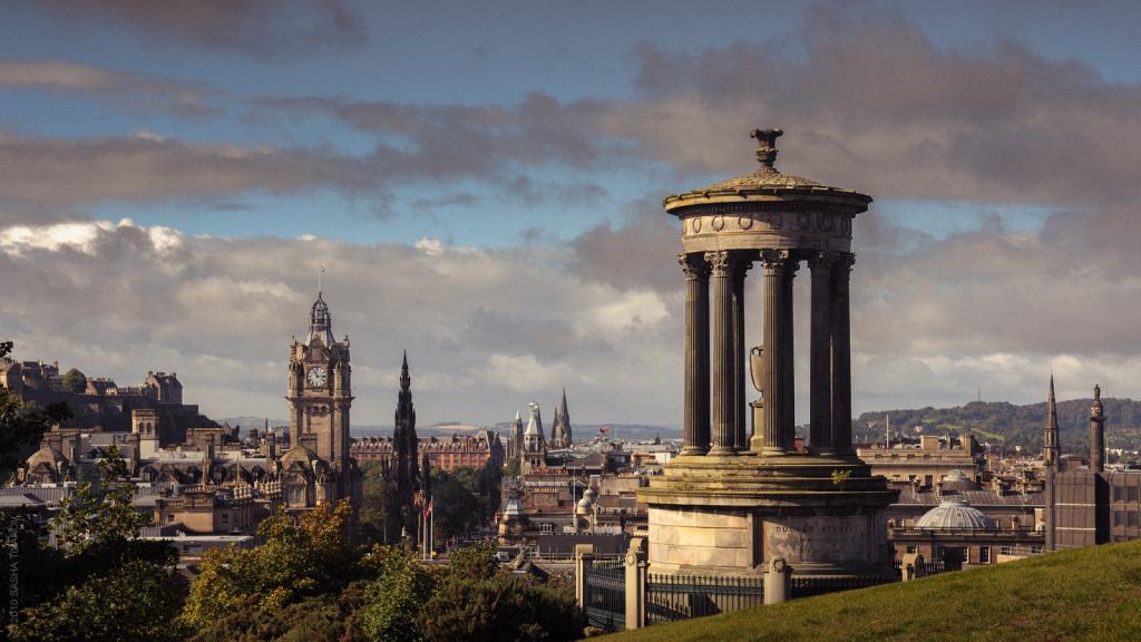 Панорама на Эдинбург